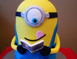 minion%20reading.png