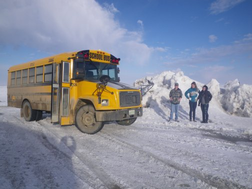 Bus%20Kids%20By%20SnowBank.JPG